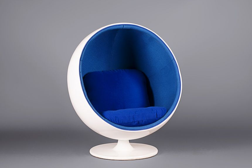 Merveilleux Egg Pod Chair   Blue