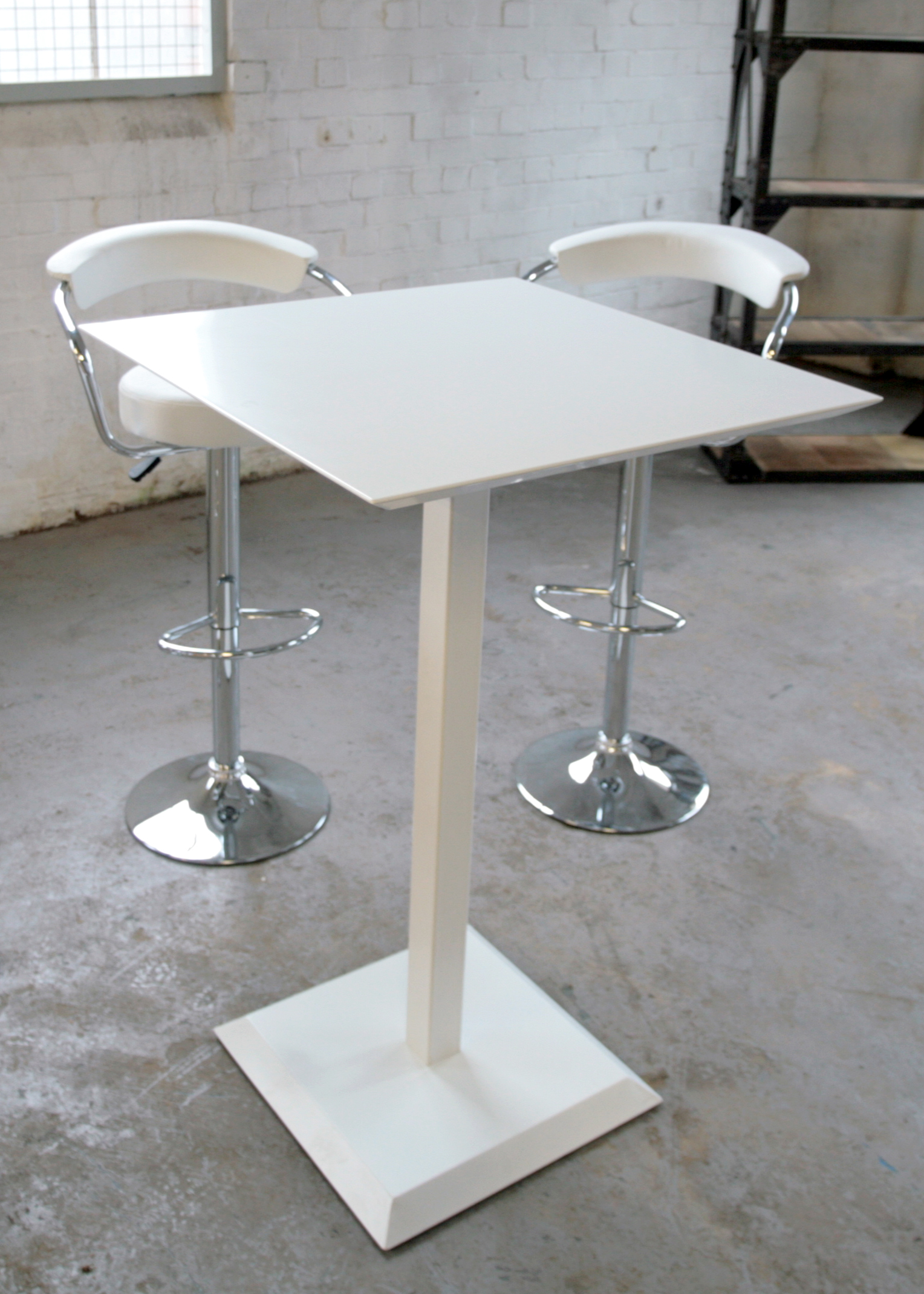 White Metal Outdoor Poseur Table Poseur Tables Furniture